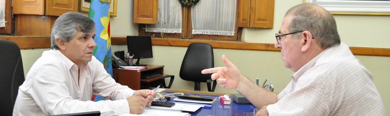 El Intendente Guillermo Britos reunido en su despacho con el Presidente de la Comisión de Fomento de los Fundadores