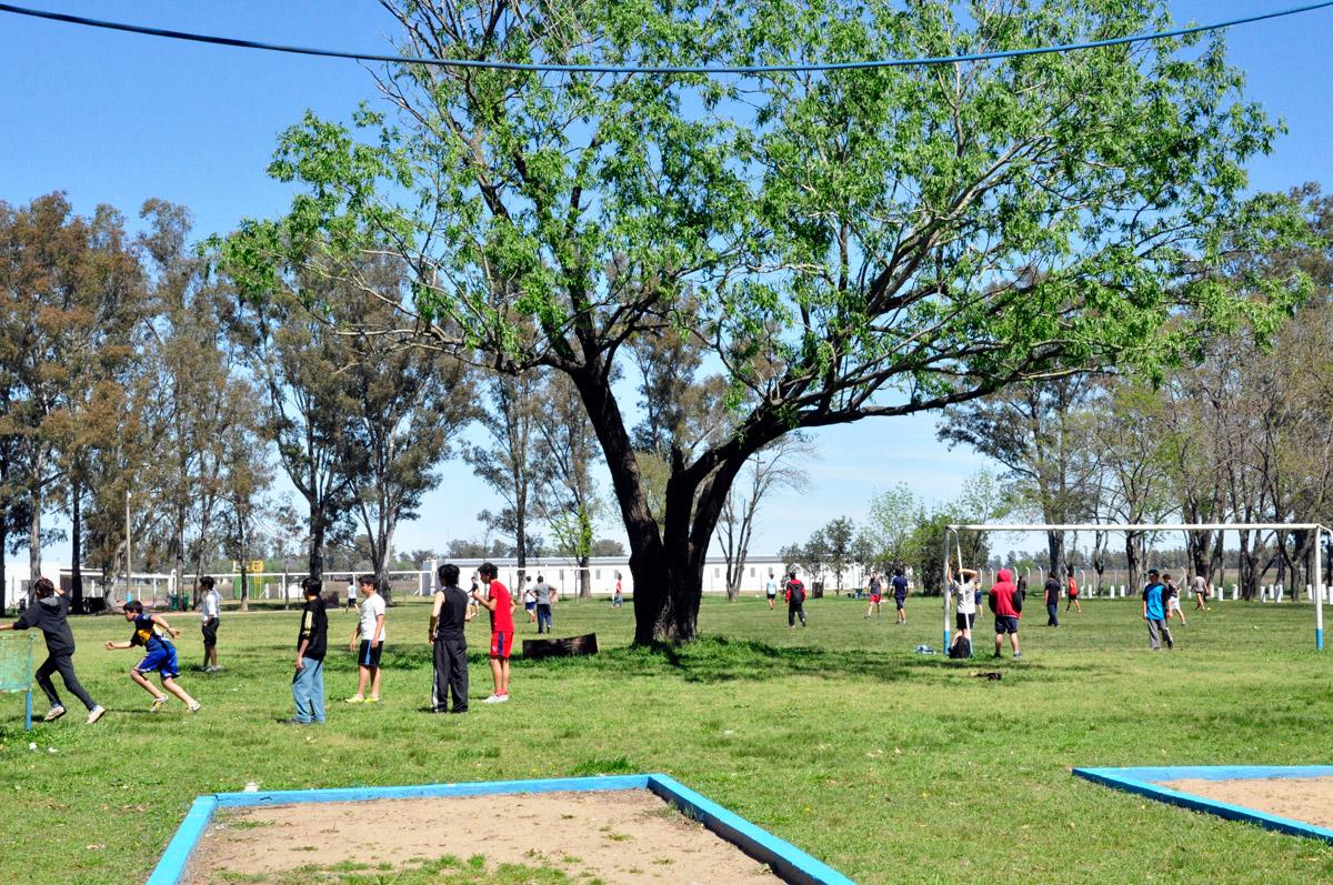 Niños realizando actividades en La Martija