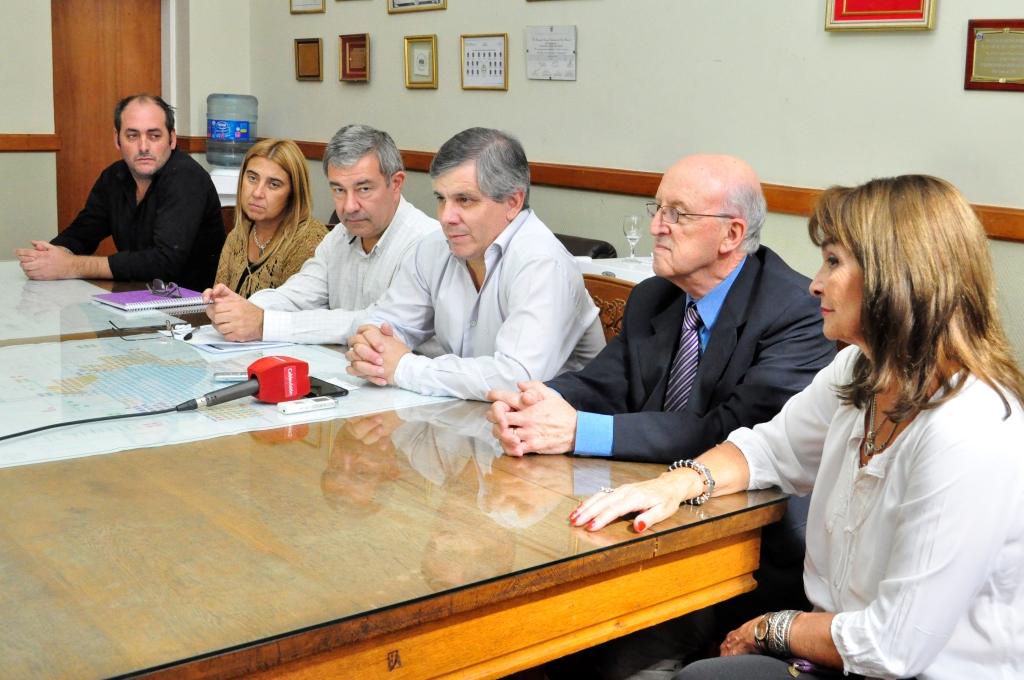 Acuerdo para que los empleados municipales finalicen los estudios secundarios