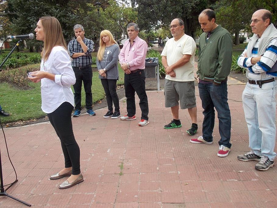 Jésica Ibáñez hablan en Moquehuá, con la presencia de Fabio Britos, Marcela Sabella, Guillermo Britos y Daniel Aicardo.