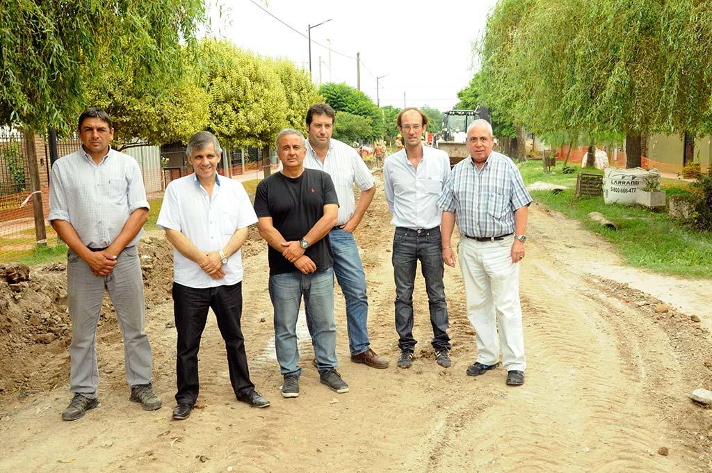 El intendente recorrió la obra del barrio José Ingenieros