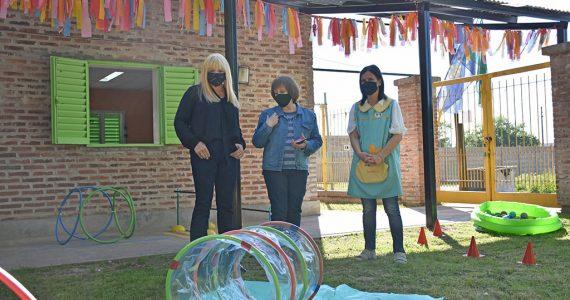 marcela-sabella-visita-jardin-latapie-chivilcoy